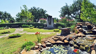 Private Estate Water Feature at Laurel Land Memorial Park - Fort Worth