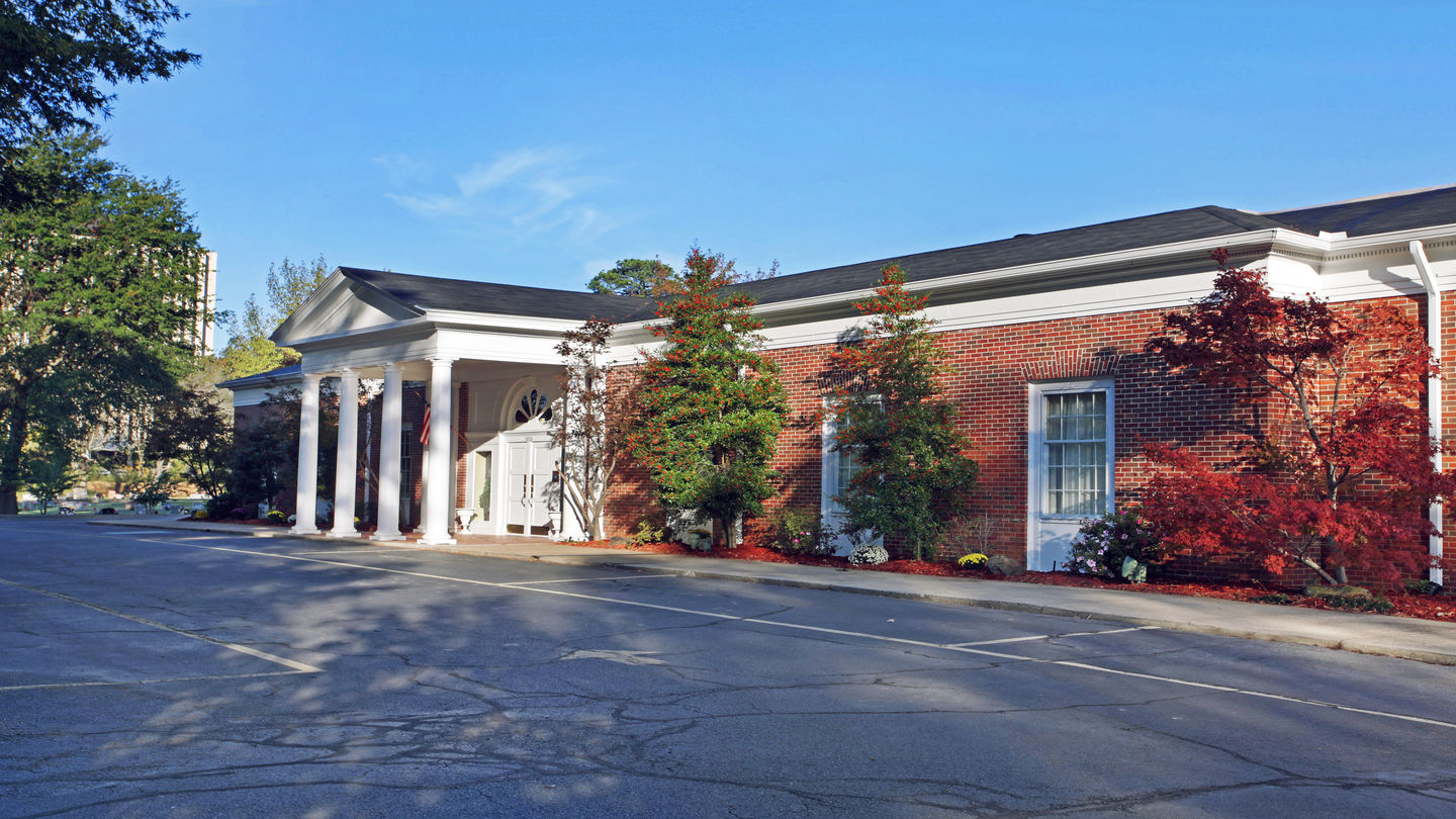 Front exterior building at Griffin Leggett Healey & Roth Funeral Home