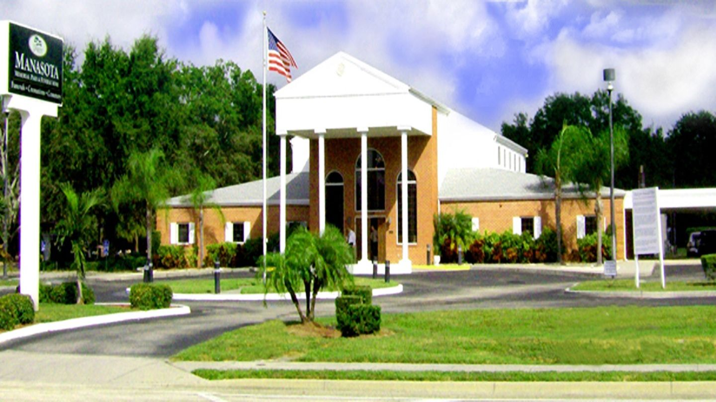 Front exterior building at Robert Toale and Sons Funeral Home at Manasota Memorial Park
