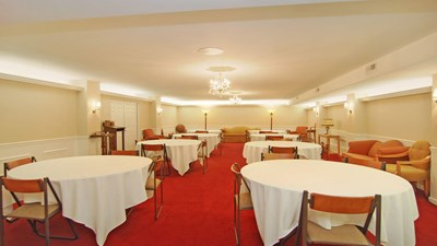 Reception room at Kuiper Funeral Home