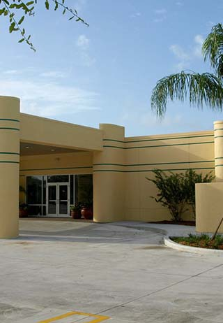 Front exterior entrance at Caballero Rivero Sunset.
