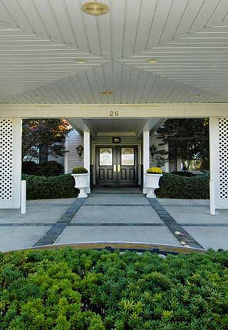 Entrance at Quinn Hopping Funeral Home