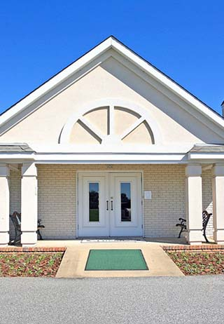 Front exterior building at Striffler-Hamby Mortuary - Phenix City