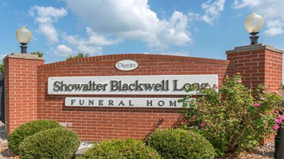 Signage at Showalter Blackwell Long Funeral Home