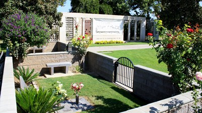 Estate area at Fresno Memorial Gardens