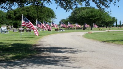 Memorial Day flags at Johnson's Lawnhaven Memorial Gardens