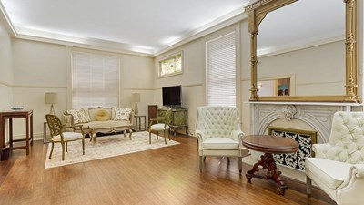 Sitting Room at Marshall-Donnelly-Combs Funeral Home