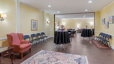 Reception Room at Fairdale-McDaniel Funeral Home & Cremation Services