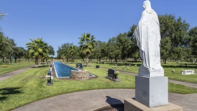 Statue at Grand View Funeral Home and Memorial Park/Bethany Cemetery