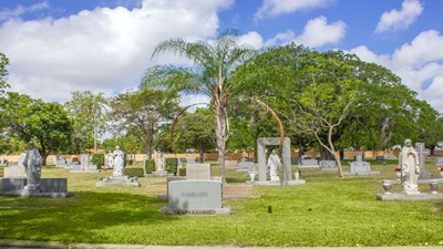 Cemetery grounds at Caballero Rivero Woodlawn North