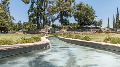 Water feature at Lakewood Memorial Park