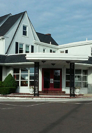 Front exterior building at Wm. Rowen Grant Funeral Home Inc.