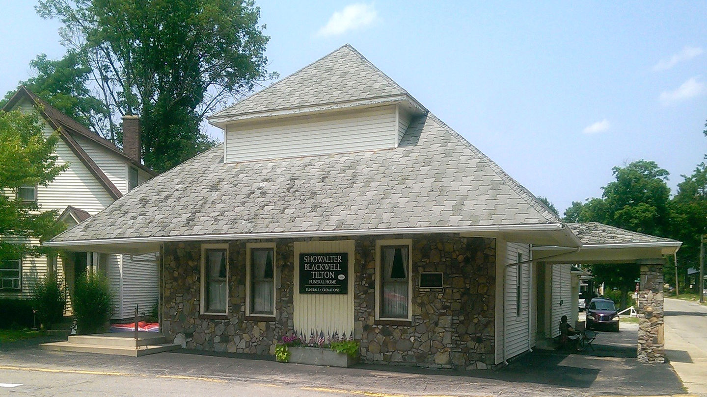Front exterior building at Showalter Blackwell Funeral Home