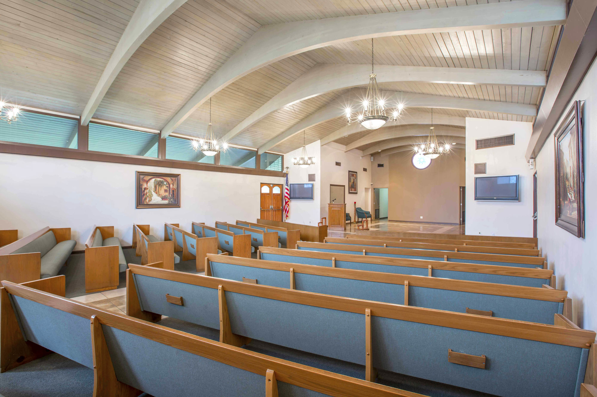 Chapel at Turner & Stevens Live Oak Mortuary