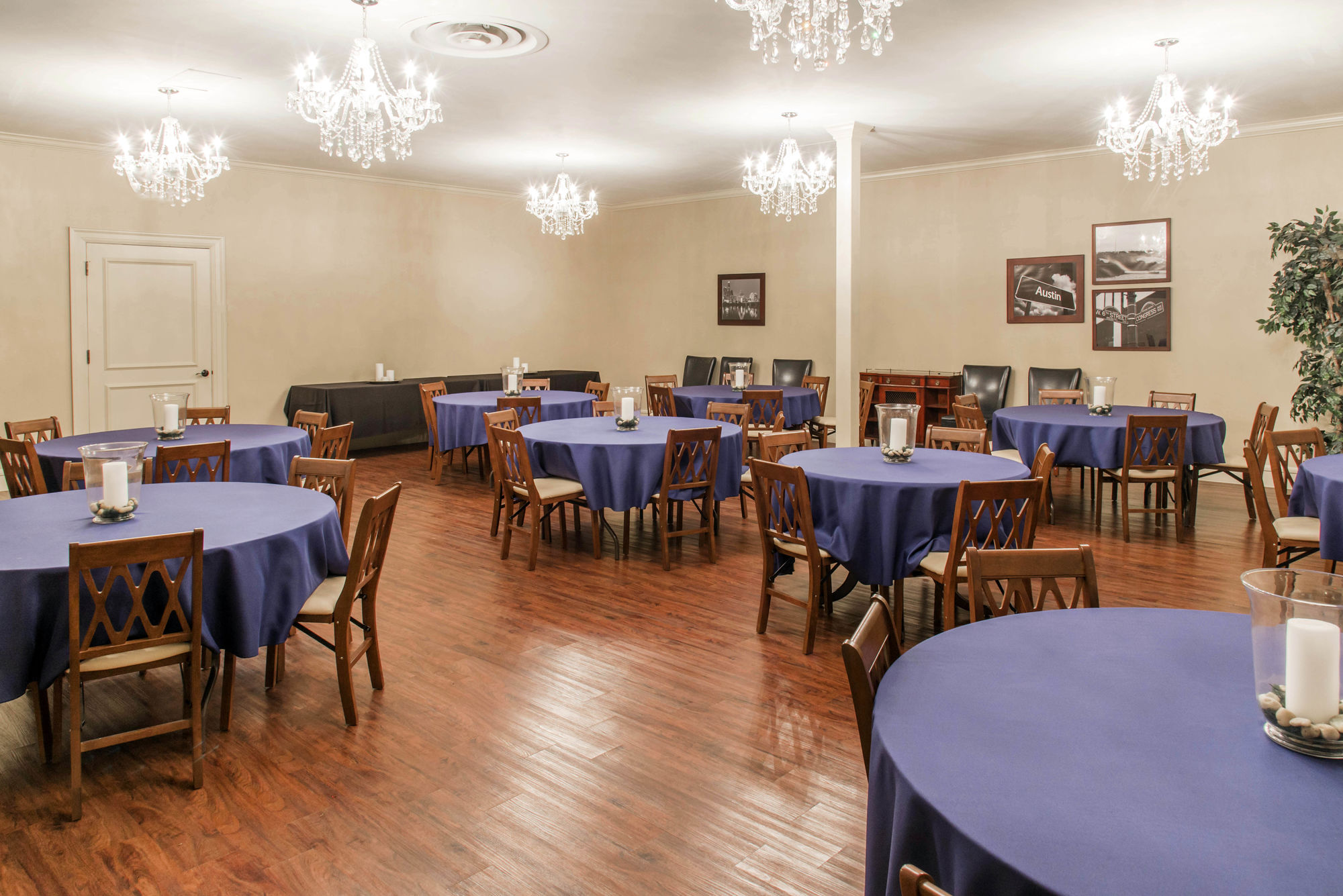 Reception room at Cook-Walden Funeral Home