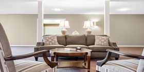 Sitting area Advantage Funeral Home and Cremation Services Hardy Chapel