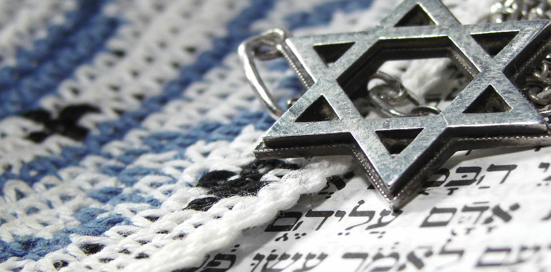 Jewish Funeral Traditions Yizkor Jewish Shiva Jewish Burial