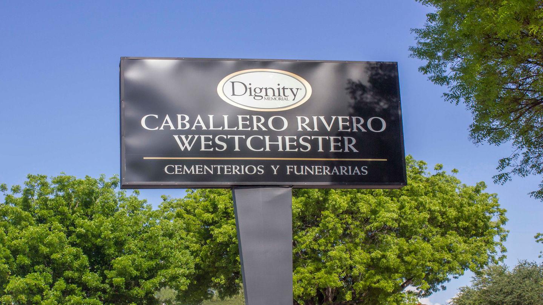 Letrero en Caballero Rivero Westchester