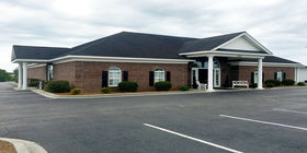 Front exterior building at Lee Funeral Home
